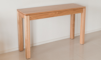 Attra Natural Oak Hall Table