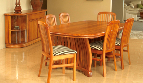 Riviera table slat chairs